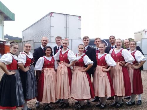 Grupo Bogenbrücke Volkstanzsgruppe